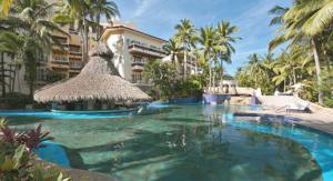 Grand Bay Hotel Pool